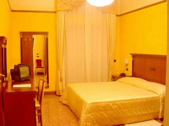 Photo of Plaza Hotel Comfort Villa San Giovanni