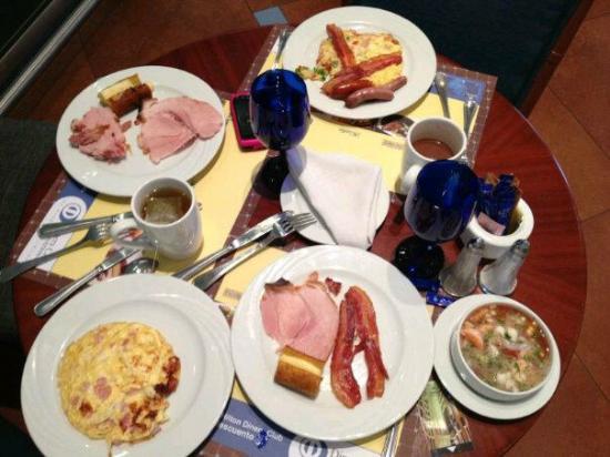 Hilton Colon Guayaquil: desayuno buffet espectacular
