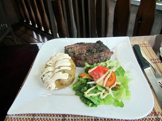 Galeria Steakhouse: Steak, also delicious.