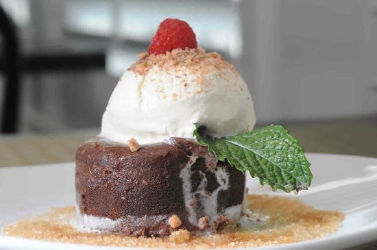 Breeze Restaurant : Make it a truly memorable dining experience at Breeze Bar & Cafe, make sure you order dessert!