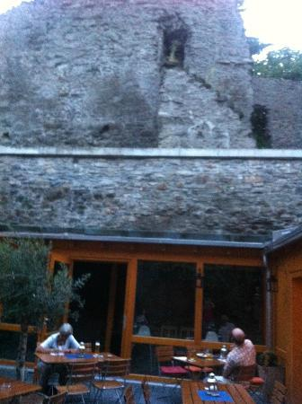 "Hotel Roter Ochse: ""Burg""-Biergarten"