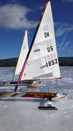 Blue Goose Inn Bed and Breakfast: Ice Boating on Lake Sunapee