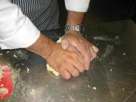 Cooking Class al Ristorante Nettuno da Siciliano: Learning to knead the dough