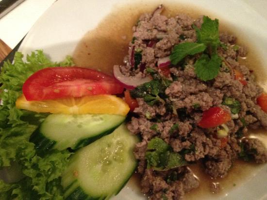 O-Sha Thai-Restaurant: Warmer, scharfer Hackfleischsalat