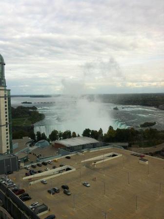 Hilton Niagara Falls/Fallsview Hotel & Suites: the falls