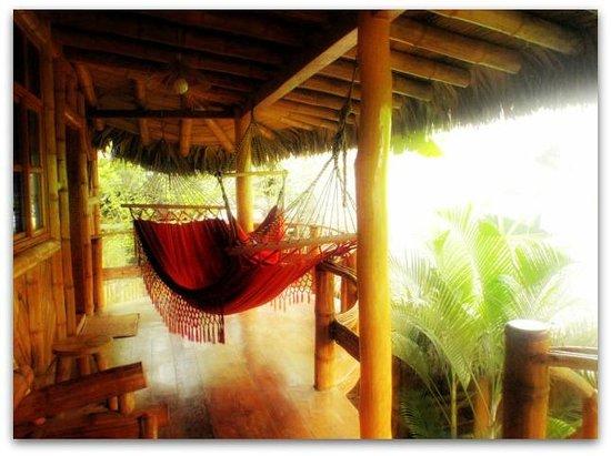 Balsa Surf Camp: Cabaña Cosanga, #6, matrimonial hasta cuádruple.