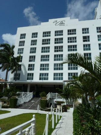 The Palms Hotel & Spa: Hotel exterior