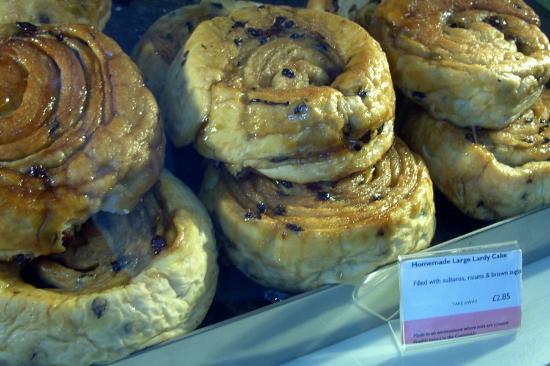Huffkins lardy cakes