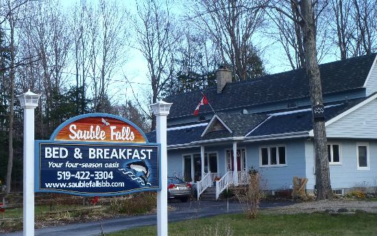 Sauble Falls Bed & Breakfast: Sauble Falls B&B - We're open All Year and offer meal plan options!