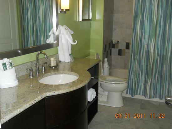 Hilton Grand Vacations at McAlpin-Ocean Plaza: bathroom