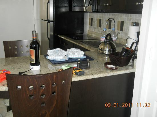 Hilton Grand Vacations at McAlpin-Ocean Plaza: kitchen