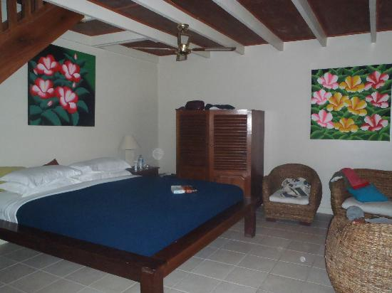 Erakor Island Resort & Spa : Room 2 - kids beds are up the stairs