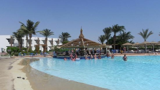 Dessole Pyramisa Sharm El Sheikh Resort: Pool Bar