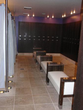La Reserve Geneve Hotel & Spa: SPA cloakroom