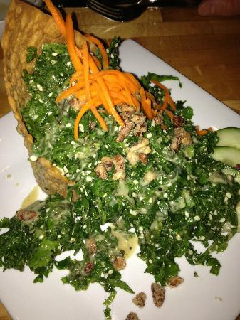 Bandaloop: Chiffonade of fresh kale