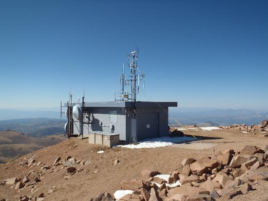 Pikes Peak - America's Mountain: A building at the summit