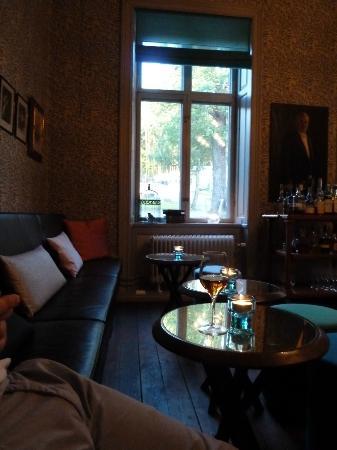 Hotel J: Bar