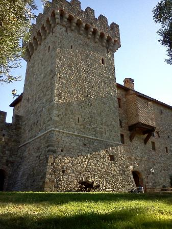 Castello di Amorosa: the castle
