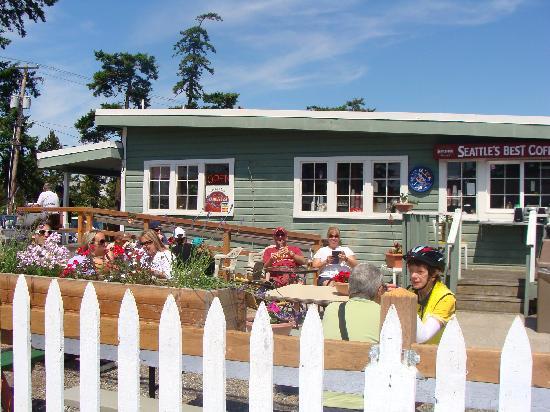 Bay Cafe at Birch Bay : Bay Cafe's Garden