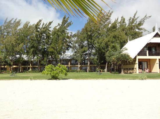 ‪‪Preskil Beach Resort‬: Looking back at room from beach‬