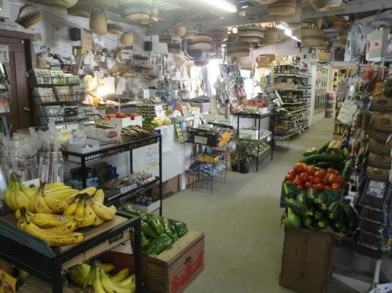 Fiddle Creek Fruit Stand: Inside main store