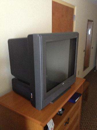 Holiday Inn Express Hotel & Suites Spring Hill: ancient tv