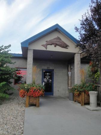 Brewsky's Broiler: Entrance