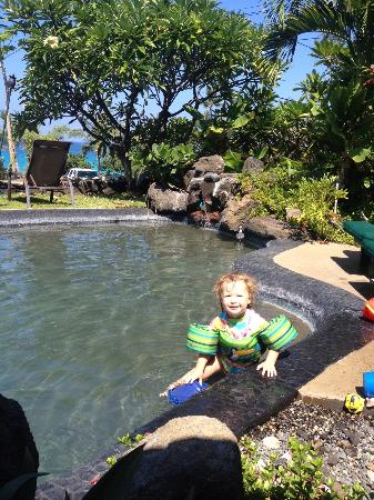Kona Sugar Shack: Pool time