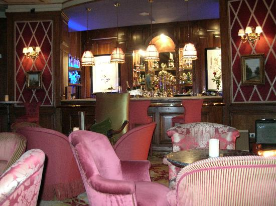 El Palace Hotel: Bar Rien de Rien - in basement of El Palace 