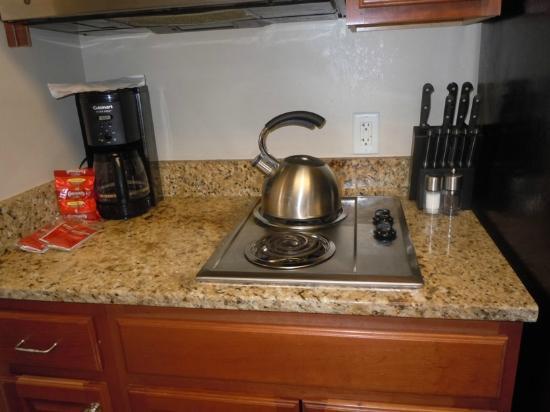 Carillon Beach Resort Inn: Kitchen