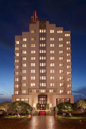 إس إل إس هوتل ساوث بيتش: SLS Hotel Exterior