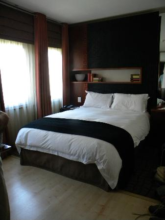 Townhouse Hotel : room 507