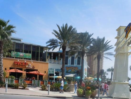 S Last Resort Reggae J Restaurants Picture Of Pier Park Rh Tripadvisor Com Panama City Beach Boatyard Restaurant