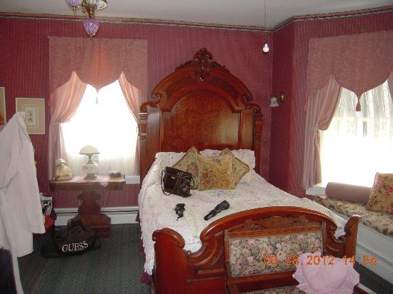 Windward House: Queen bed
