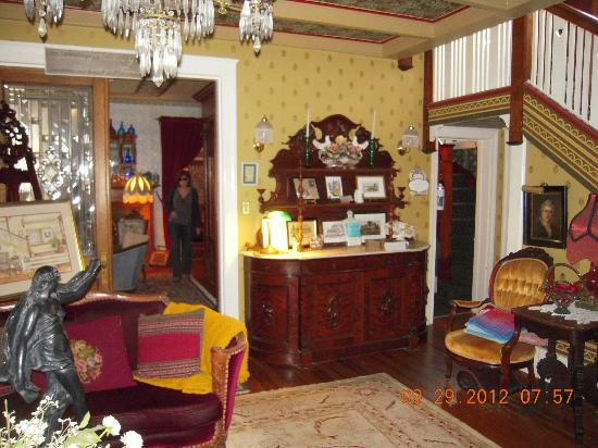 Windward House: Parlor