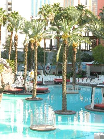 Flamingo Las Vegas Hotel & Casino: main pool