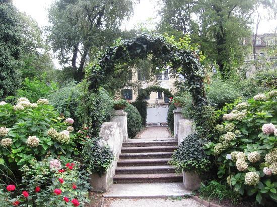 Parkhotel Laurin: Garden park