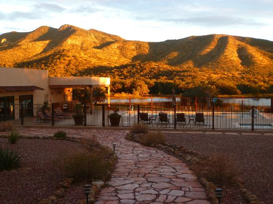 Sunglow Ranch - Arizona Guest Ranch and Resort: Even the swimmers have a view