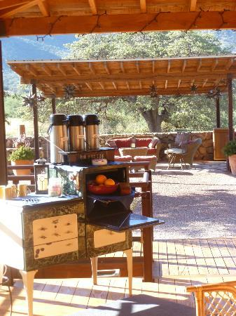 Sunglow Ranch - Arizona Guest Ranch and Resort: Early morning coffee