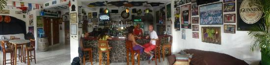 Irish House: bar