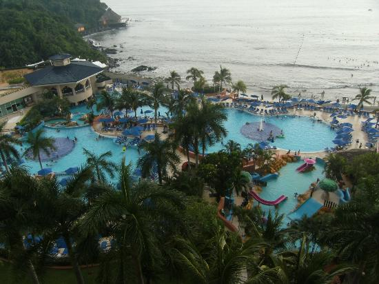 Azul Ixtapa Beach Resort & Convention Center: View from the room