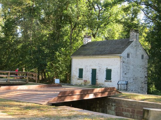 Maryland: Lockhouse #22 Pennyfield C & O Canal