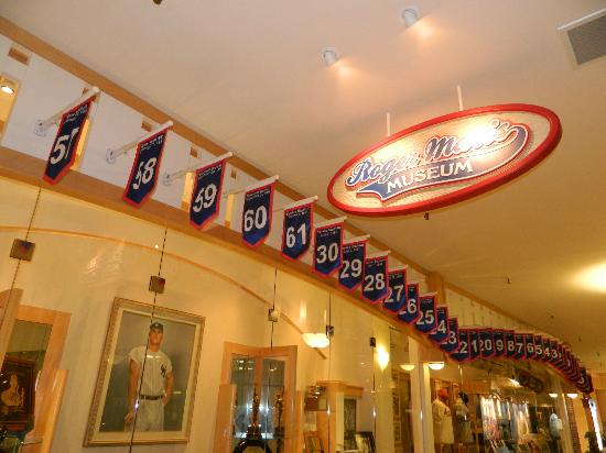 Roger Maris Museum: Home run banners