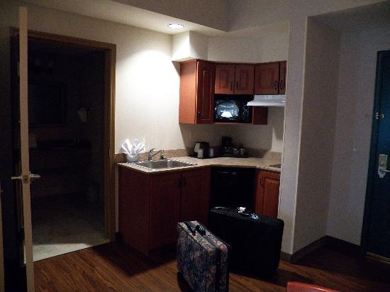 Country Inn & Suites By Carlson, Hagerstown : kitchenette