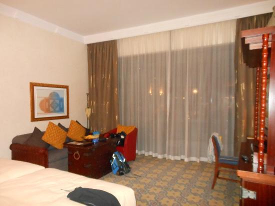 Jumeirah Mina A'Salam: Hotel room