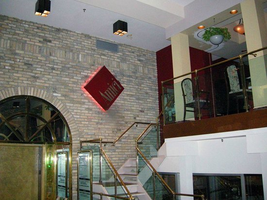 Amici: Entrance in the first floor