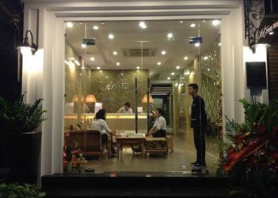 Art Trendy Hotel: Hotel Entrance