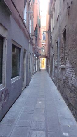 The alleyway off Calle delle Rasse where Hotel Lux is situated