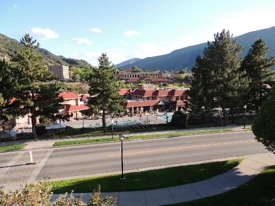 Glenwood Hot Springs Lodge: view from balcony