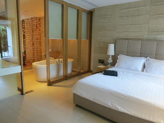 Dune Hua Hin: bed/bath